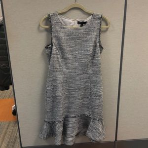 Beautiful Banana Republic sleeveless dress.. 10p